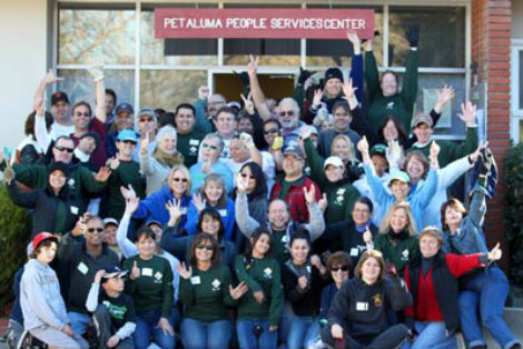 Petaluma People Services Center staff and volunteers